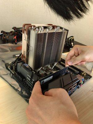8Gのメモリモジュールを4枚挿入